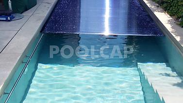 Poolabdeckung Rolloabdeckung Polycarbonat 15/62,5 mm Anti-Algen-Solar. Welle frei im Pool montiert