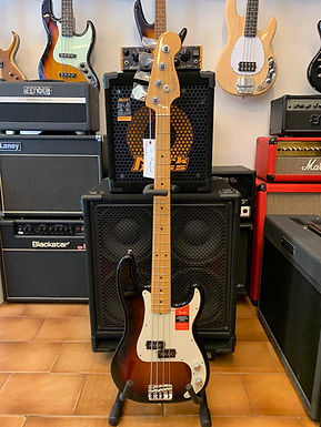 FENDER American Professional Precision Bass Color Sunburst
