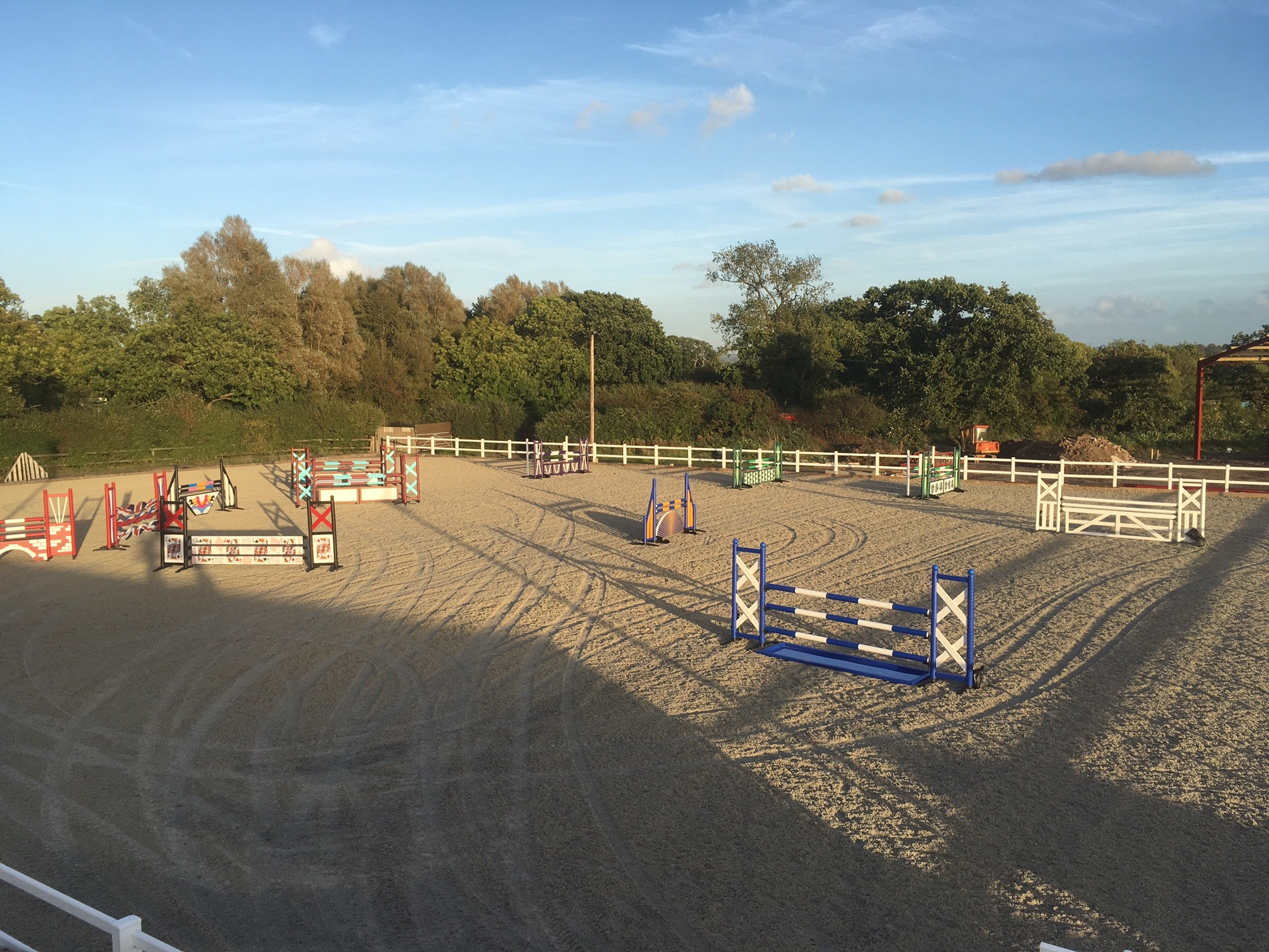 JUMPING ARENA
