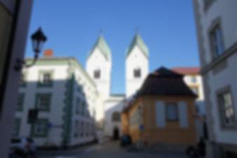 0131_niedernburg_kolostor.jpg