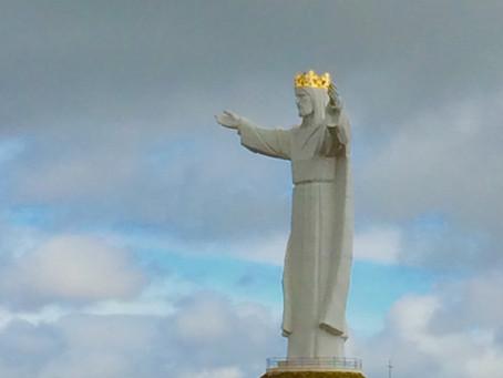 Statua Chrystusa wskaże Ci drogę.