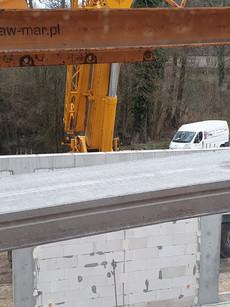 12 metrowe płyty przyjechały na 2 transporty.