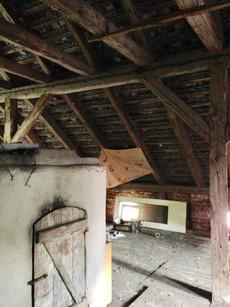 Tak wyglądało poddasze z wędzarnią, dziś część użytkowa domu.