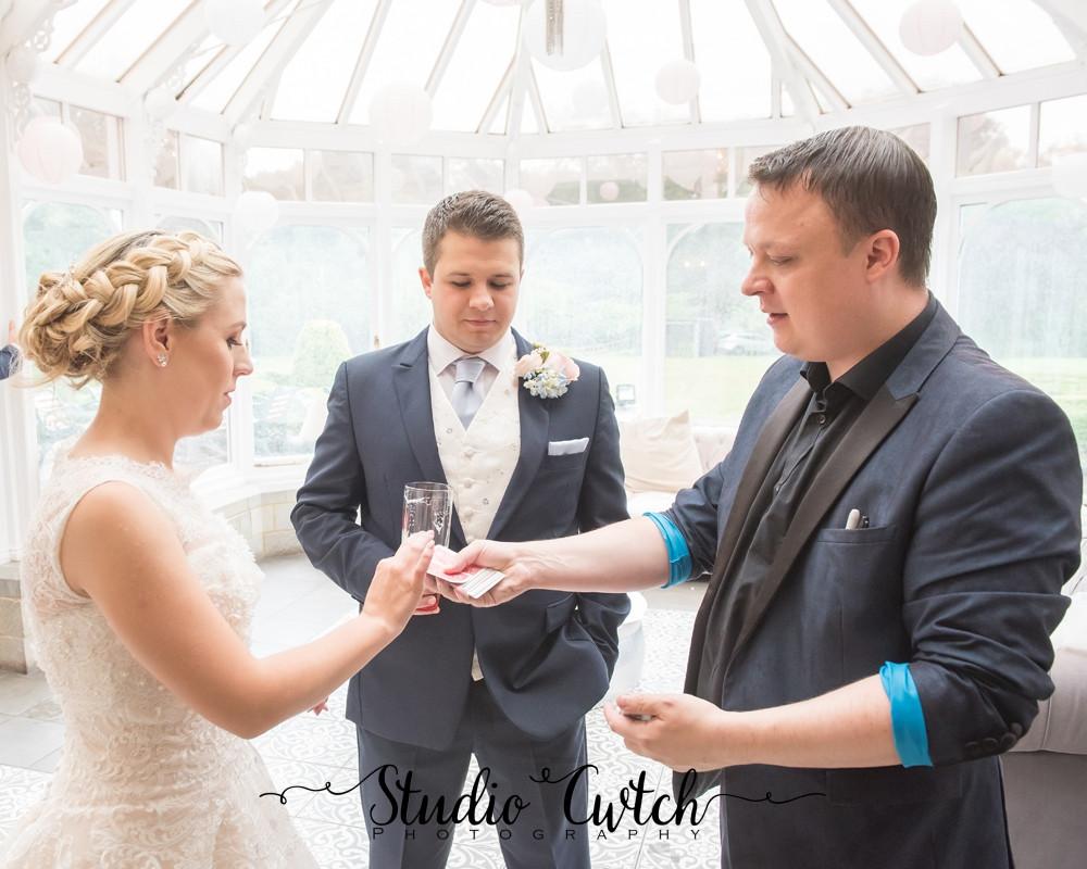 cardiff magician, cardiff wedding magician, wedding magician in cardiff, wedding magician wales, magician wales,
