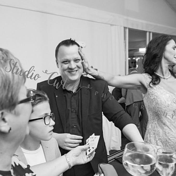Cardiff magician, cardiff wedding magician, table magician cardiff, close up magician cardiff, corporate magician cardiff