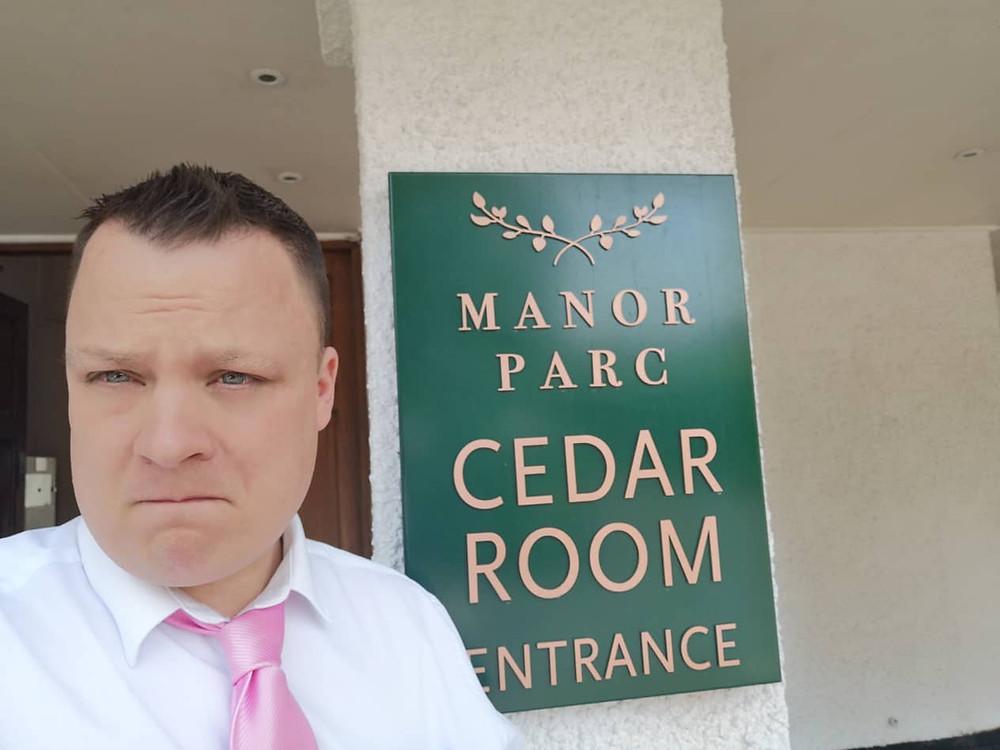 Cardiff magician, magician cardiff, cardiff wedding magician,