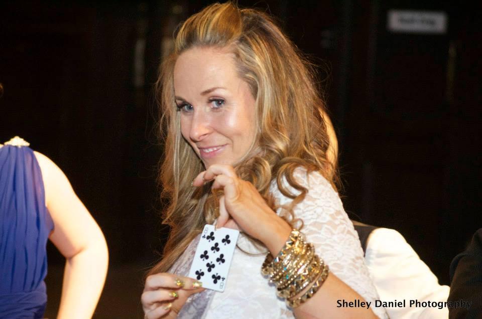 wedding magician wales , wedding magician cardiff , table magician wales , table magician cardiff , cardiff magician , cardiff wedding magician