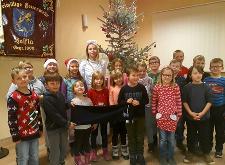 Abellio-Weihnachtsengel überrascht Kinder- und Jugendfeuerwehr Helfta