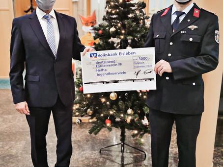 Kinder- und Jugendfeuerwehr erhält Spende von der Volksbank Halle (Saale) eG