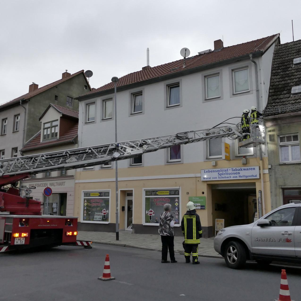 Bauschaden - Drehleitereinsatz