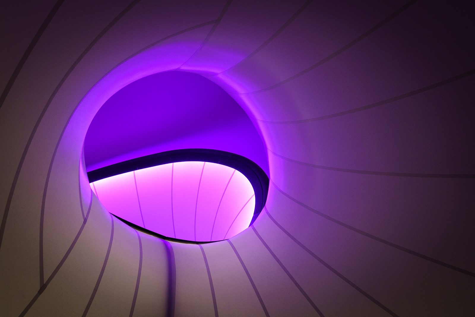 'Psychedelic Tunnel' by Michael Ross (13 marks)