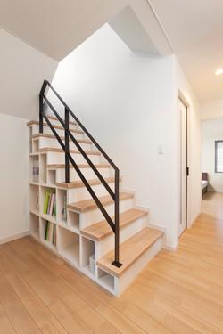 階段収納.jpg