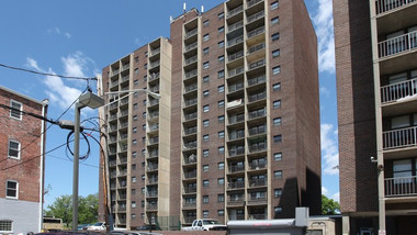 Lakeview Towers Apartments