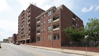 Hollins House Apartments