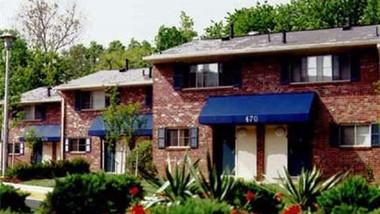 Admiral Oaks Apartments