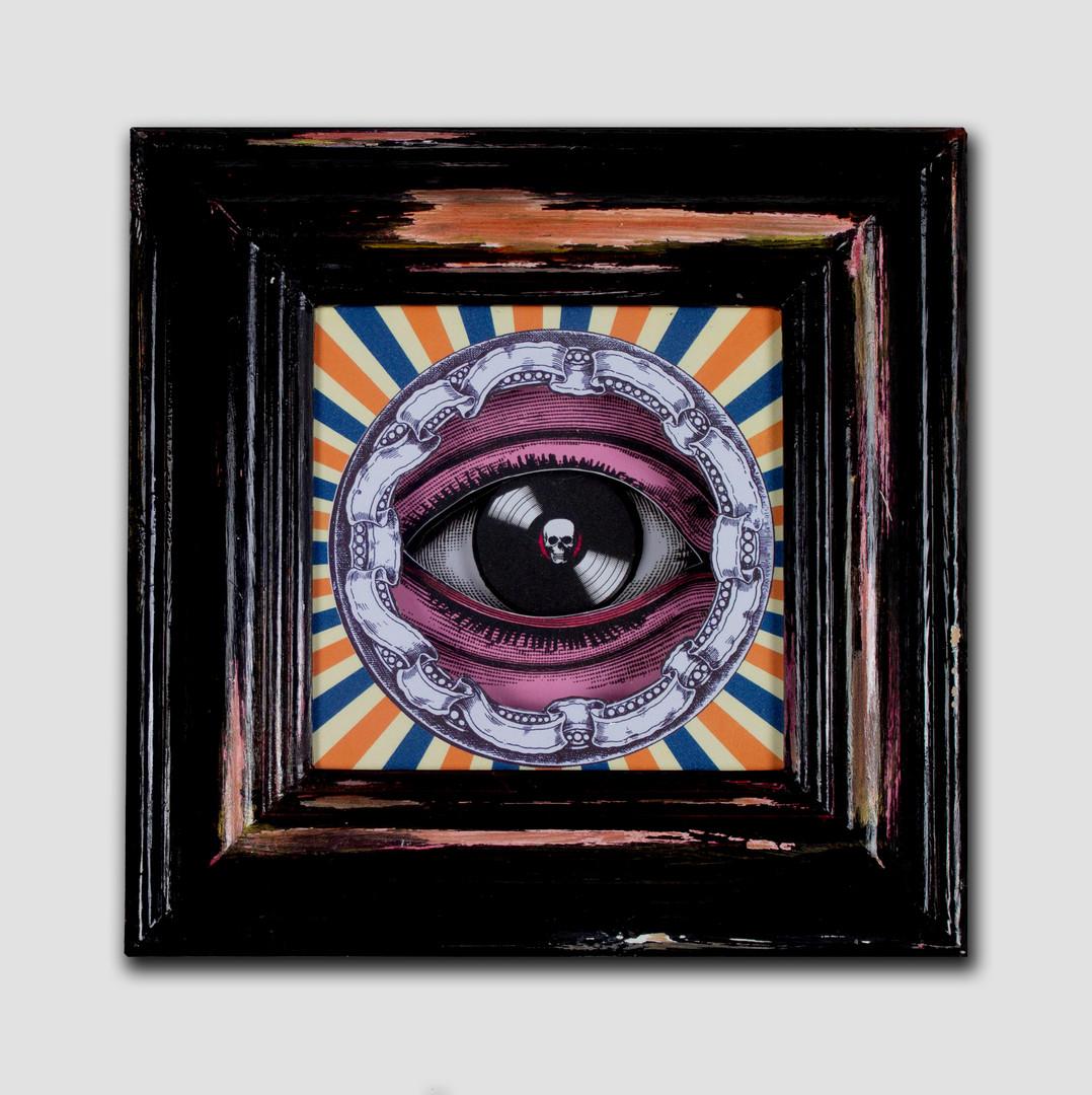 record eye.jpg