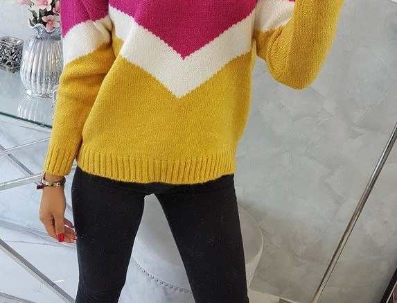 Amy Contrasted Knitted Sweater
