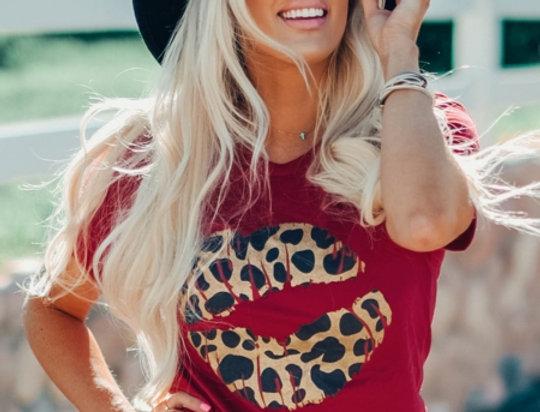 SO KISS ME Leopard Print Lips Casual T-shirt