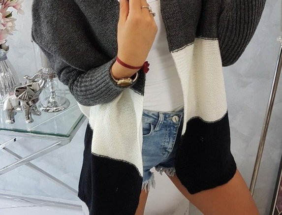 Nelly Contrasted Batwing Oversized Knitted Cardigan
