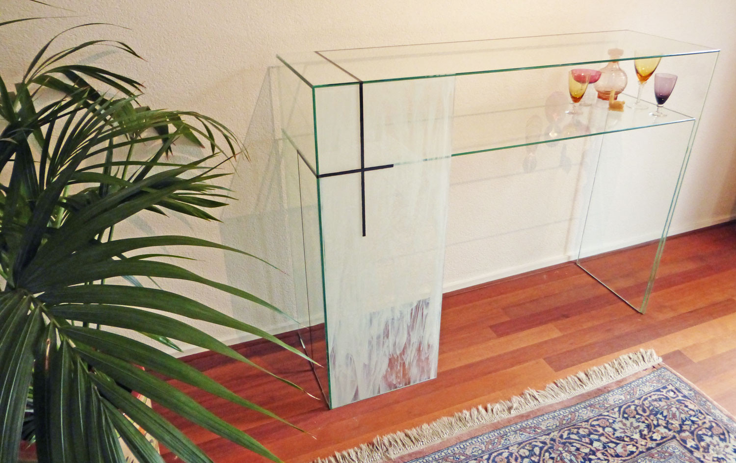 Glass-Table-Atelier-de-Lampion-Evelien-d