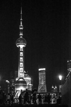 11 Fernanda Santos - Pearl Tower, Bund -
