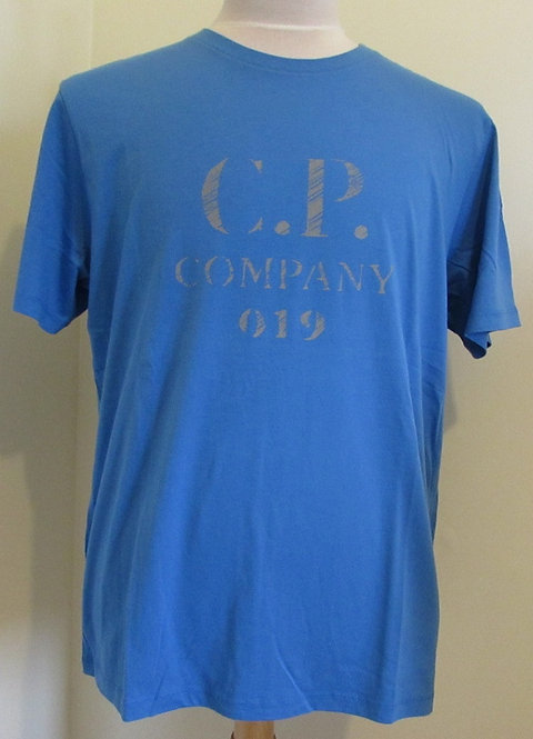 06CMTS158A C.P. Company 'Reflective Logo' Tee Shirt in Blue (864)