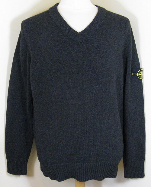 5515509A3 Stone Island V-Neck Knitwear in Charcoal