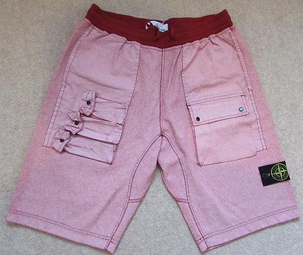 701563665 Stone Island 'Tela Placcata' Shorts in Red (V0015)