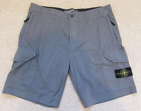 7215L0403 Stone Island Cargo Shorts in Grey (V0063)
