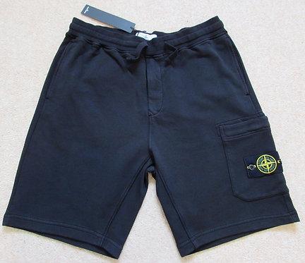 721564651 Stone Island Cargo Sweat Shorts in Black (V0029)