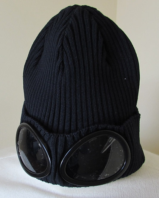 02CMAC111A C.P. Company Goggle Hat in Navy (888)