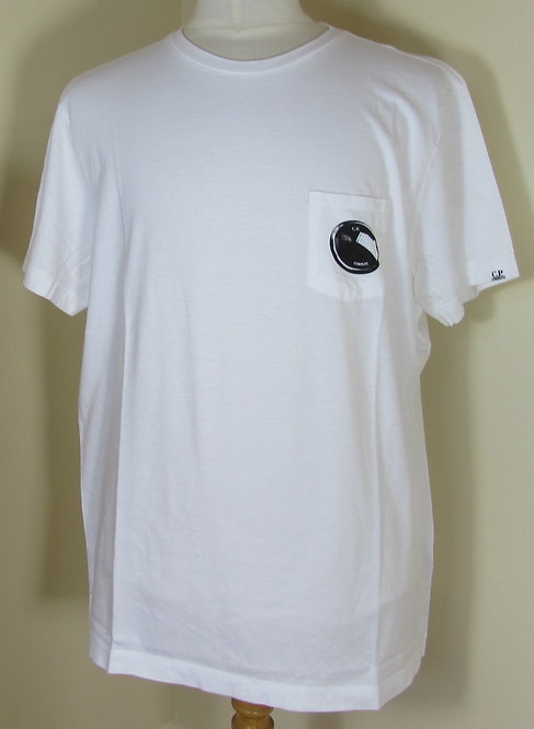 02CMTS071A C.P. Company 'Lens' Tee Shirt in White (100)