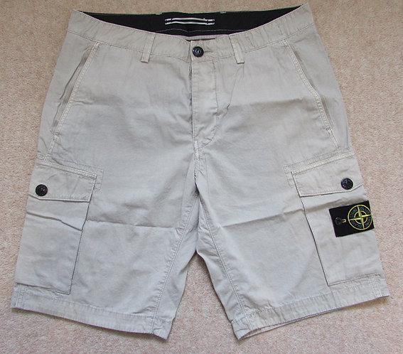 6615LS2WN Stone Island Shorts in Beige (V0090)
