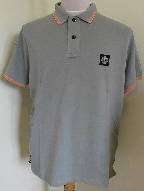 101522S18 Stone Island Short Sleeved Polo Shirt in Green (V0055)