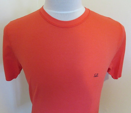 06CMTS054A C.P. Company Tee Shirt in Red (547)