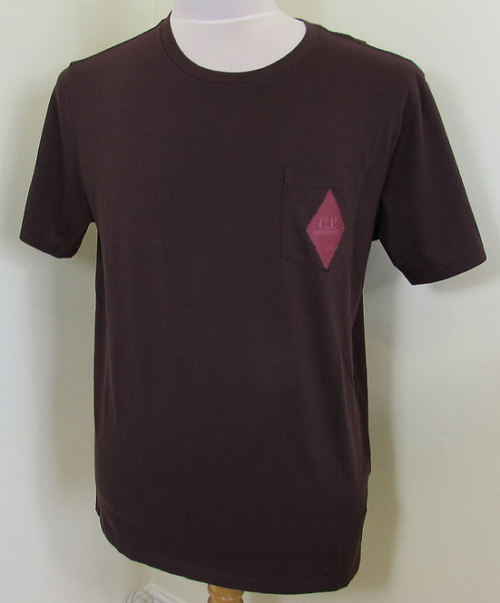 07CMTS211A C.P. Company Tee Shirt in Red