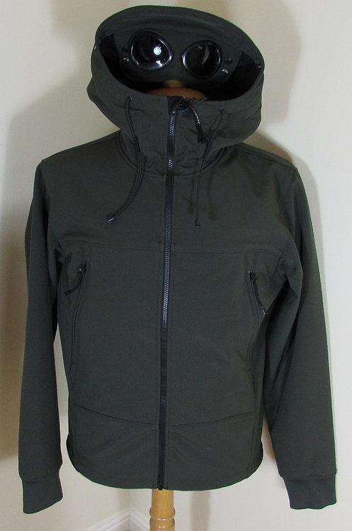 16WCPUF04085 C.P. Company Soft Shell Goggle Hood Jacket in Green (659)