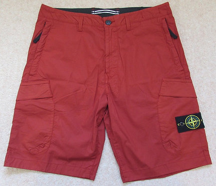 7015L0803 Stone Island Cargo Shorts in Red (V0015)