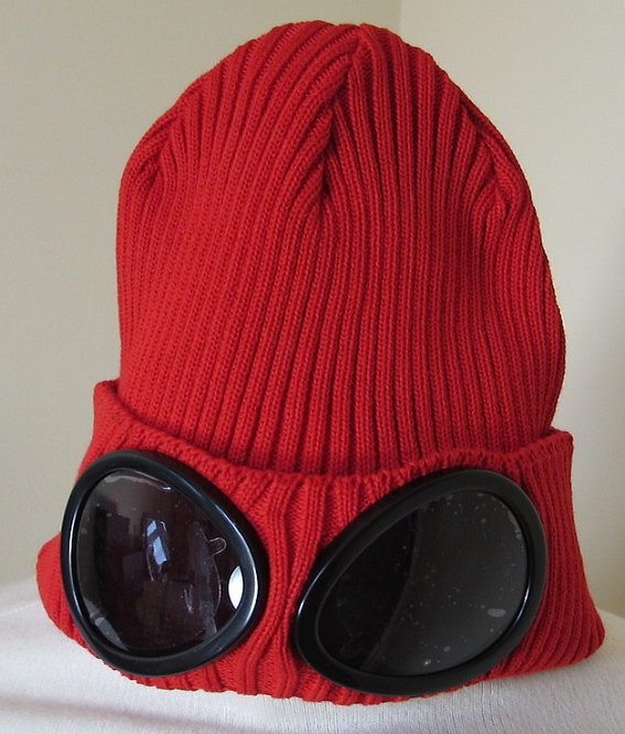02CMAC111A C.P. Company Goggle Hat in Chinese Red (551)