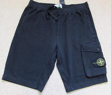 701565860 Stone Island Cargo Sweat Shorts in Black (V0029)
