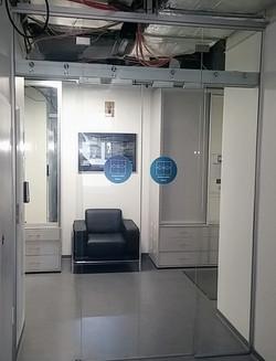 Цельностеклянная автоматическая дверь дл