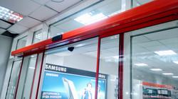 Автоматическая дверь для супермаркета