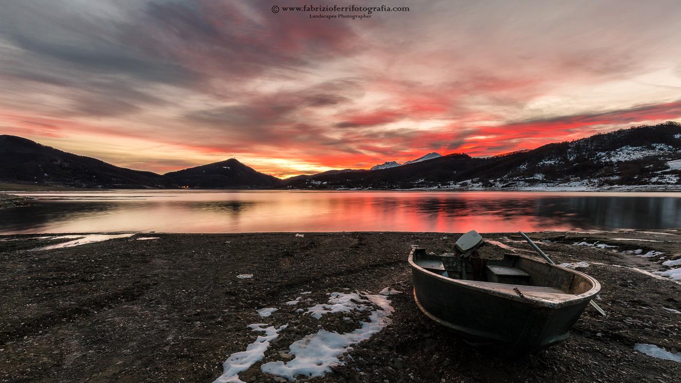 Barca in alba