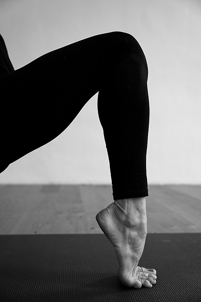 Yoga_leg_BW_betti.png