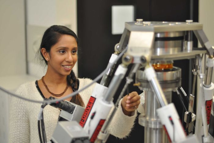 Flinders University PhD candidate Dhara Amin has used a special robot to investigate slipped disc injuries