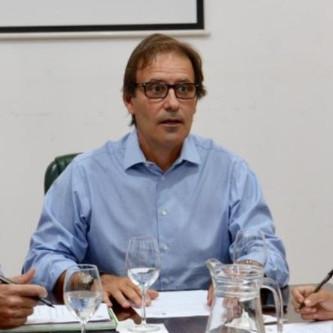 Diego Martínez y Natalia Quintana presentaron un reclamo ante la cartera educativa de la provincia