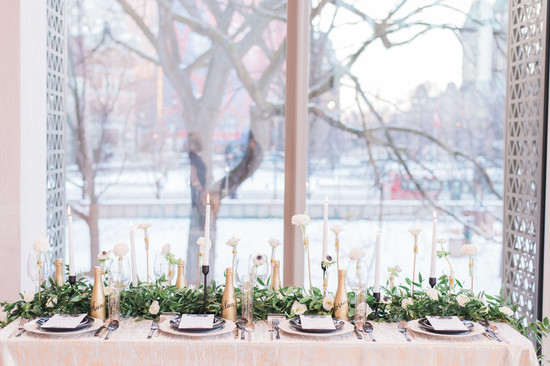 Glam black and gold wedding table