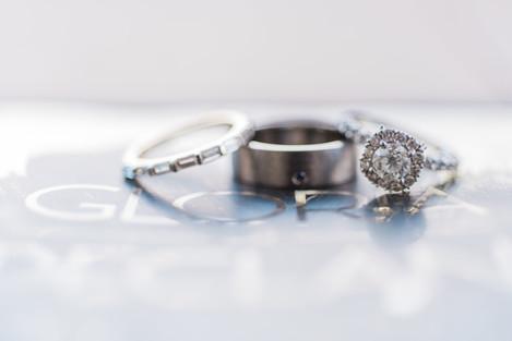 Stor by Margot wedding ring set