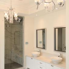 Traditional master washroom
