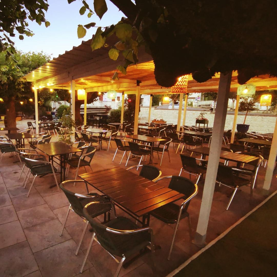 Hôtel du commerce - Restaurant à Civray